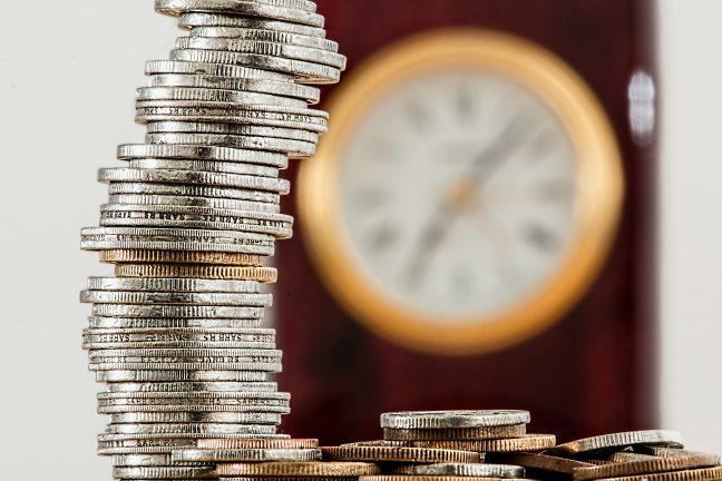 Bagaimana Hukum Melunasi Hutang dengan Mata Uang Berbeda